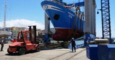 Il peschereccio di Mazara, Michele Giacalone, è stato preso a pietrate da barche turche e speronato